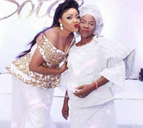 Yoruba Nollywood actress Tayo Sobola loses mum