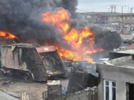 20 Vehicles, 10 Shops Burnt To The Ground At Owode Onirin Market In Lagos
