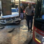 Aparatoso accidente en la Plaza del Ayuntamiento