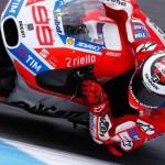 Dovizioso hace valer la velocidad de Ducati en Mugello