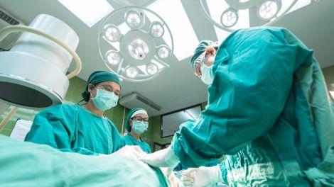 Quirófano Unidad de Patología mamaria del Hospital La Fe.