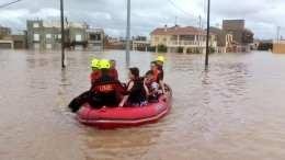 Soldados de la UME durante uno de los numerosos rescates. /Img. facebook Juanjo García