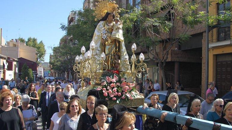 La imagen procesional de la Virgen de los Desamparados en el santuario-parroquia de la Virgen de la Salud de Xirivella/Img. F. Perona
