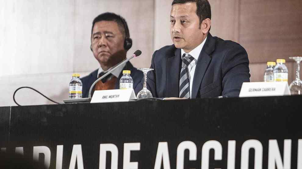 Anil Murthy y Kim Koh durante su discurso en la JGA del VCF