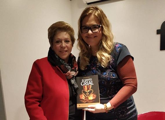 Ana Mafé con Tin Tarazona, redactora de Cultura y Fiestas de infrmaValencia.com