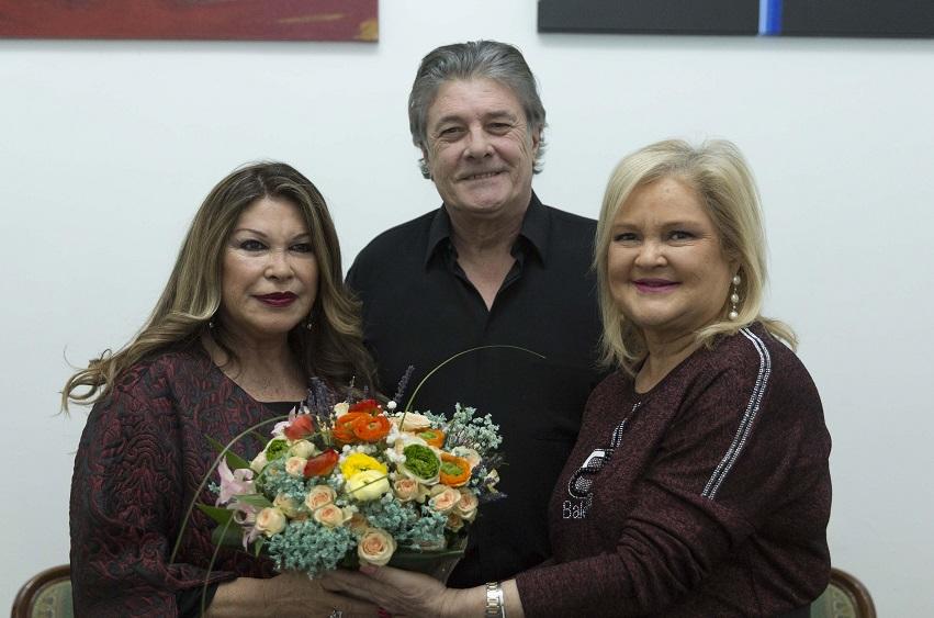 Amparo, la viuda de Nino, con Francisco y Carmen de Rosa/Img. informaValencia.com