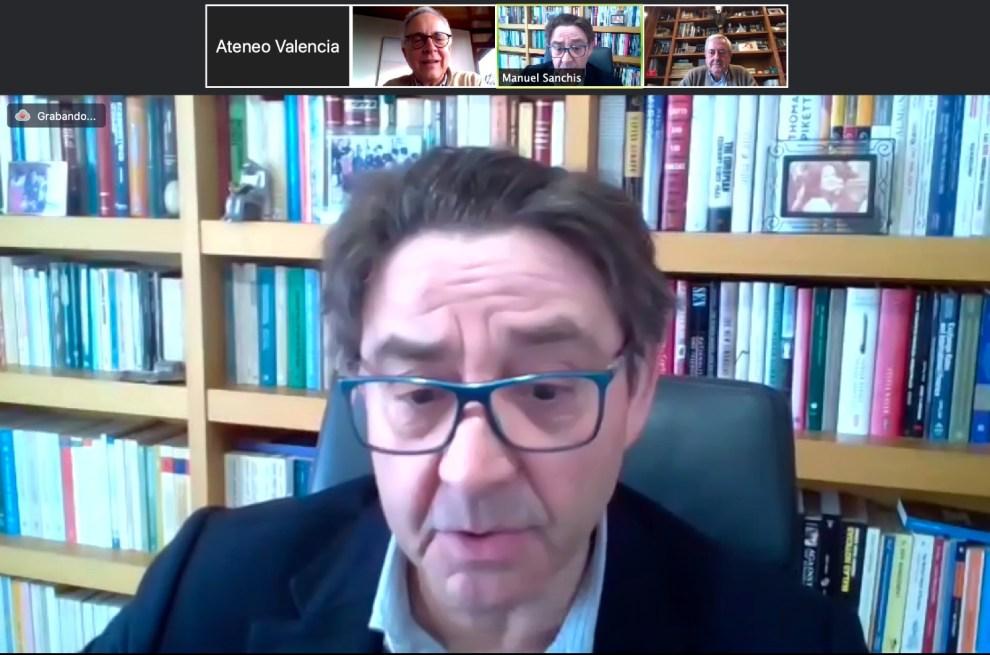 Manuel Sanchis es profesor titular de Economía Aplicada de la Universitat de València/Ateneo