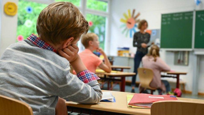 Distancia social en las clases presenciales del curso 2020-21/Medios