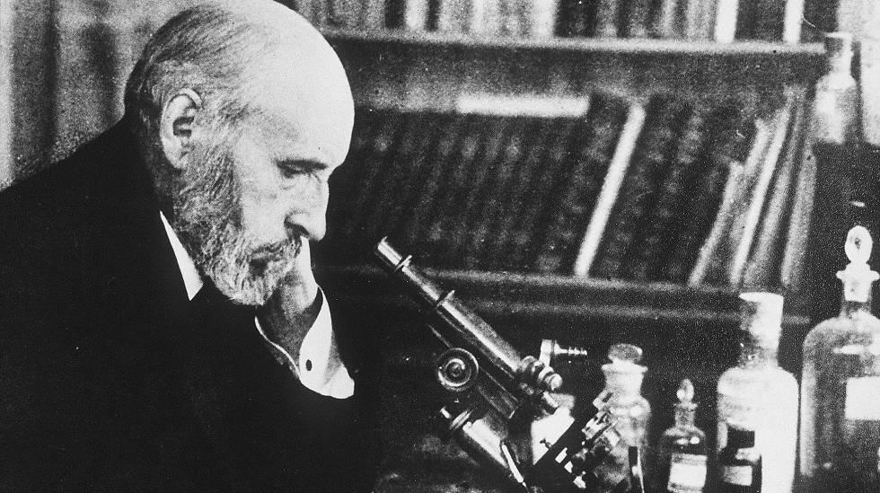 """Santiago Ramón y Cajal, médico español, especializado en histología y anatomía patológica. Compartió el Premio Nobel de Medicina en 1906 con Camillo Golgi «en reconocimiento de su trabajo sobre la estructura del sistema nervioso». Img. M.H. de su autobiografía """"Recuerdos de mi vida"""""""