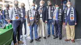 El doctor Camps, el doctor Guillem, el doctor Cervantes y Vicente de Juan Martín; Ricardo Arias, Miguel Tendillo, Migue A. Bossio y Fernando Giner. VCF