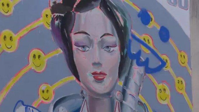 La UPV y Las Naves rinden tributo a Marie Curie en un nuevo mural del proyecto 'Mujeres de Ciencia'. La autora es Ana Barriga. /Img. Las Naves