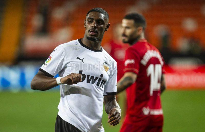 El Valencia se deja dos puntos vitales ante Osasuna