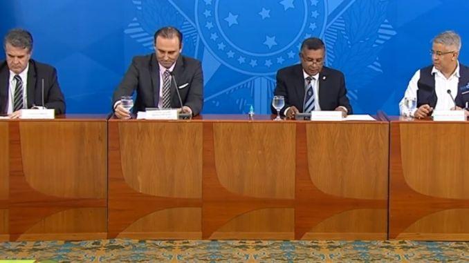 Ministério da Saúde muda estratégia e propõe reduzir isolamento em ...