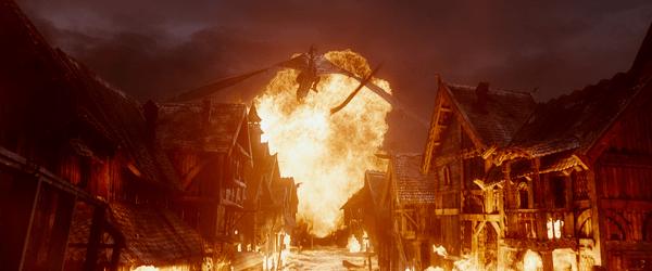 The Hobbit : The battle of five armies - Smaug et Lacville