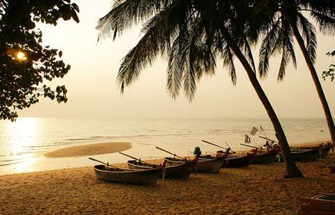 Dix euros d'amende pour avoir eu une relation sexuelle sur une plage de Pattaya