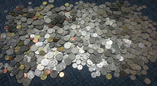 Simpan semua duit syiling yang anda ada