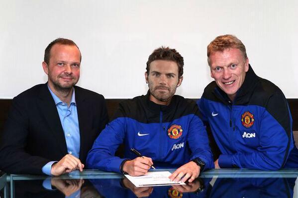 Juan Mata rejoint Manchester United pour un transfert record