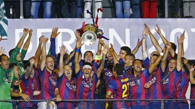 Xavi soulève la Ligue des Champions - ©Reuters