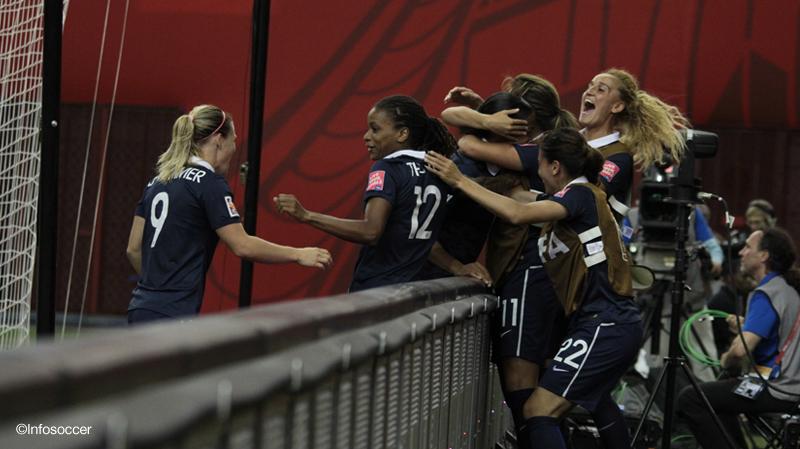 CDM Féminine 2015: La France assume son rang et rejoint l'Allemagne en quart de finale