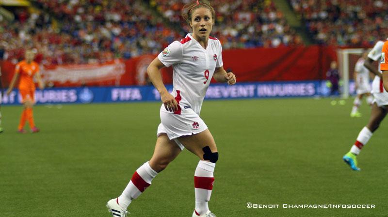 Canada Soccer honore de récentes retraitées de l'équipe nationale féminine Josée Bélanger et Kaylyn Kyle