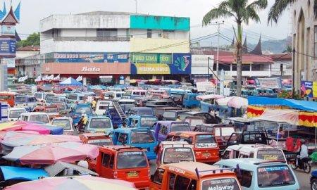 Pada pertengahan bulan februari mendatang Pemko Padang secara resmi akan mengoperasikan terminal angkot yang telah di bangun di samping Balaikota Padang yang lama.
