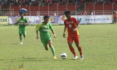 Semen Padang menjalani laga perdana SCM Cup 2015 Grup A melawan Persebaya Surabaya. Pada laga yang dihelat Sabtu sore (17/1) di Stadion Haji Agus Salim tersebut, Semen Padang selaku tuan rumah harus mengakui keunggulan Persebaya Surabaya.