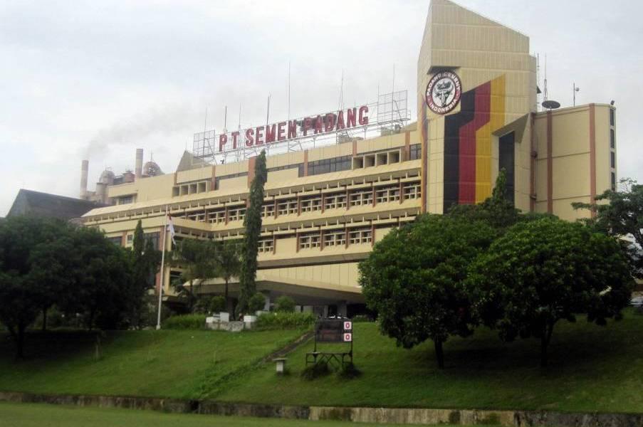 PT Semen Padang meraih penghargaan Superbrands 2015. Penghargaan ini adalah penghargaan Superbrands kedua bagi Semen Padang setelah menerima penghargaan yang sama pada tahun 2012 lalu.