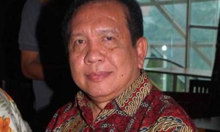 Musisi yang juga komposer tanah air Rinto Harahap tutup usia. Penyanyi kelahiran Sibolga, Sumatera Utara tersebut menghembuskan nafas terakhirnya pada usia 65 tahun.
