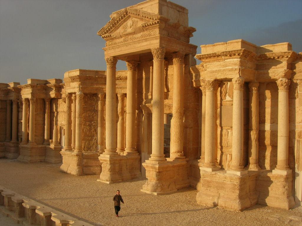 Palmyre : ses ruines antiques incomparables, et délaissées pour cause de pressions étrangères