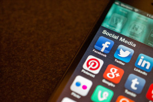 Social Media Apps - Por Jason Howie,   disponible originalmente en http://j.mp/1DWD23r