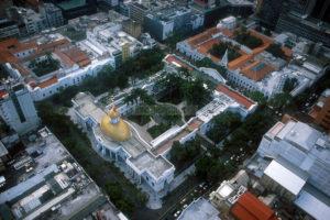 Vista aérea del casco histórico del centro de la ciudad. El Palacio Legislativo conocido como Asamblea Nacional. Caracas, 19 - 09 - 2005 (Ramón Lepage /Orinoquiaphoto)