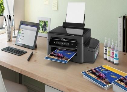 Impressora imprimindo fotos