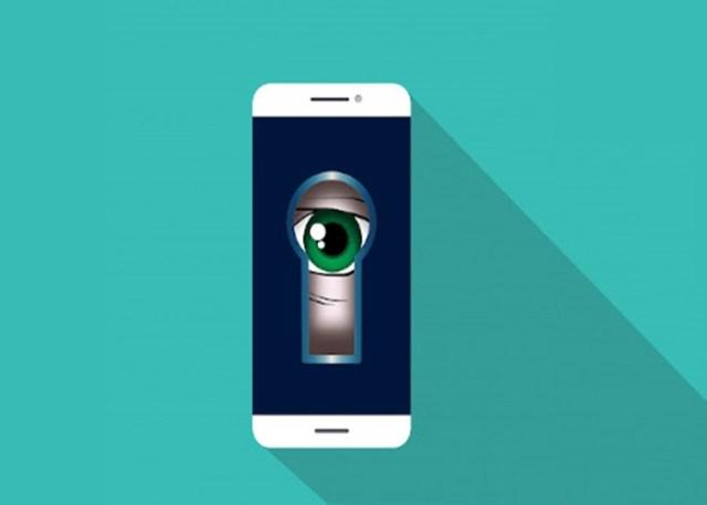 como espionar celular
