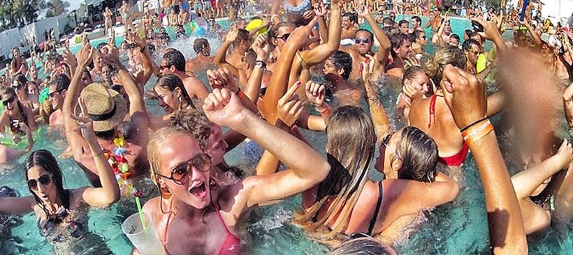 """Vete al """"Pool Season"""" en Las Vegas"""