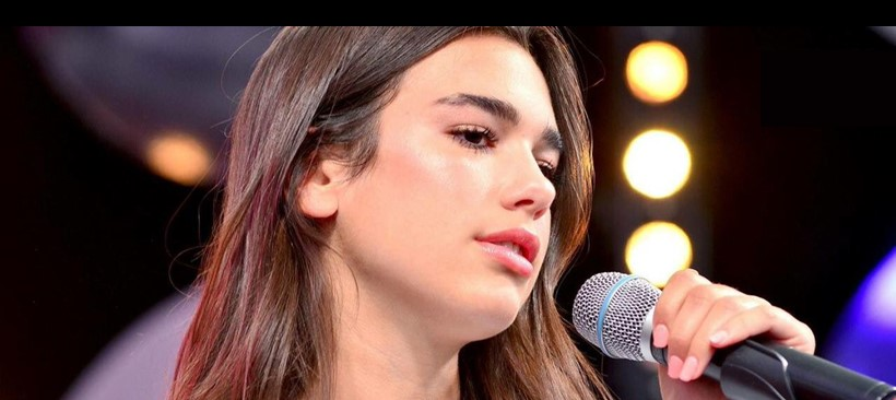 Dua Lipa en la final de la UEFA Champions League