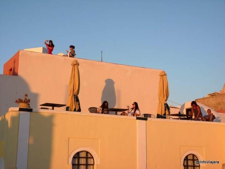 terraza_oia_santorini_grecia