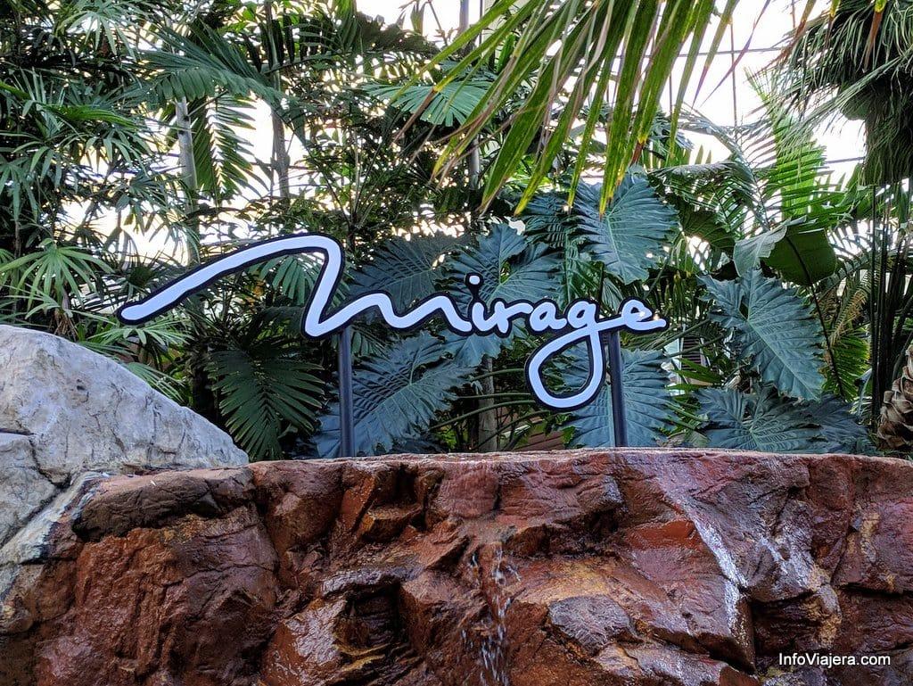 Conocimos El Siegfried Roy 39 S Secret Garden And Dolphin Habitat En The Mirage Las Vegas