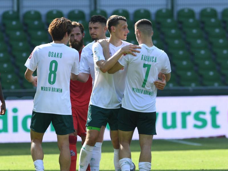 Für Werder Bremen ist der Klassenerhalt auf einmal wieder greifbar nahe. Foto: Carmen Jaspersen/dpa