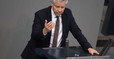 Der CDU-Politiker Frank Steffel initiierte die Hilfen für die Proficlubs. Foto: Jörg Carstensen/dpa
