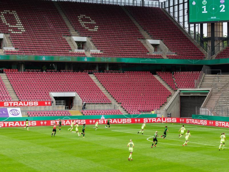 Wegen der Corona-Pandemie fand auch das Frauen-Finale in Köln vor leeren Rängen statt. Foto: Marcel Kusch/dpa