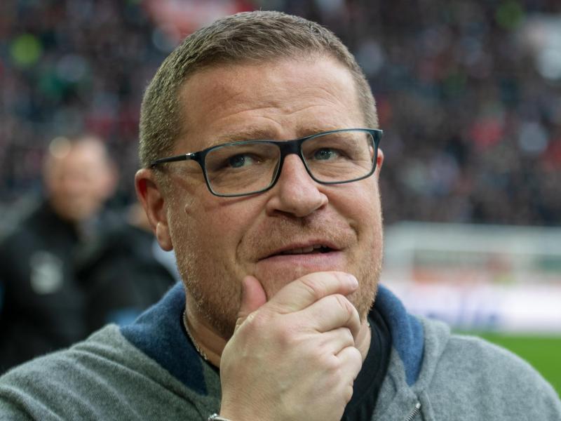 Mönchengladbachs Sportdirektor Max Eberl kann sich vorstellen, dass die Clubs die Kadergrößen beschränken. Foto: Stefan Puchner/dpa