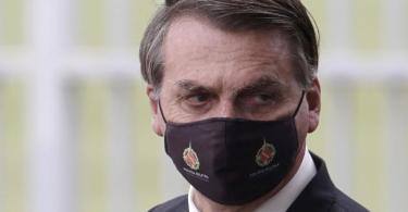 Der brasilianische Präsident Jair Bolsonaro hat das Coronavirus immer wieder als «leichte Grippe» bezeichnet und sich gegen Schutzmaßnahmen gestemmt. Foto: Eraldo Peres/AP/dpa