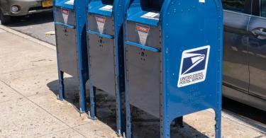 Kritiker werfen US-Präsident Trump vor, mit Kürzungen bei der Post die verbreitete Briefwahl mitten in der Corona-Pandemie verhindern zu wollen. Foto: Ron Adar/SOPA Images via ZUMA Wire/dpa