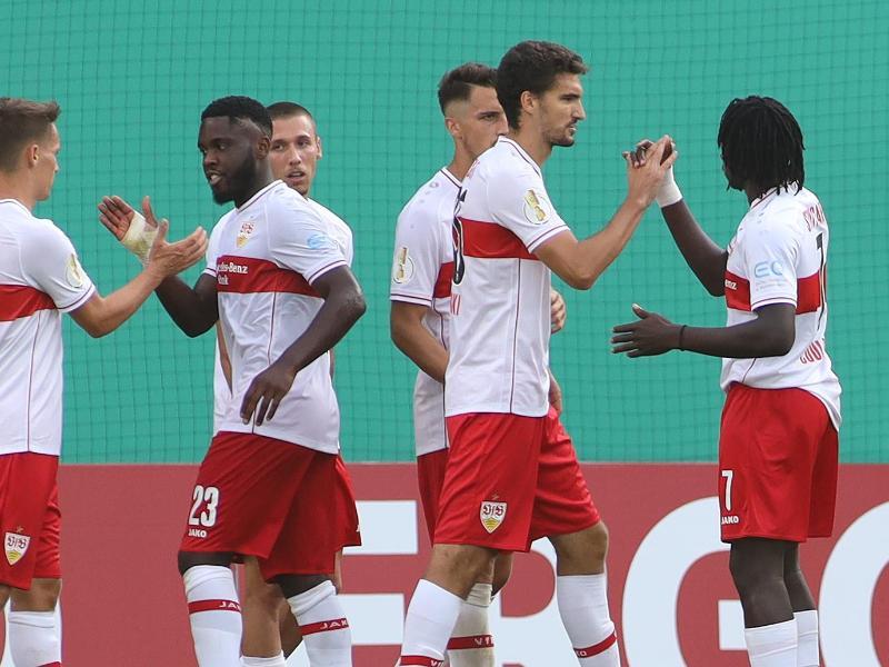 Der VfB Stuttgart setzte sich beim Drittligisten Hansa Rostock nur knapp durch. Foto: Danny Gohlke/dpa