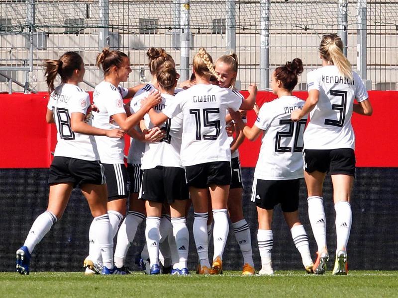 Die DFB-Frauen ließen Irland keine Chance. Foto: Roland Weihrauch/dpa