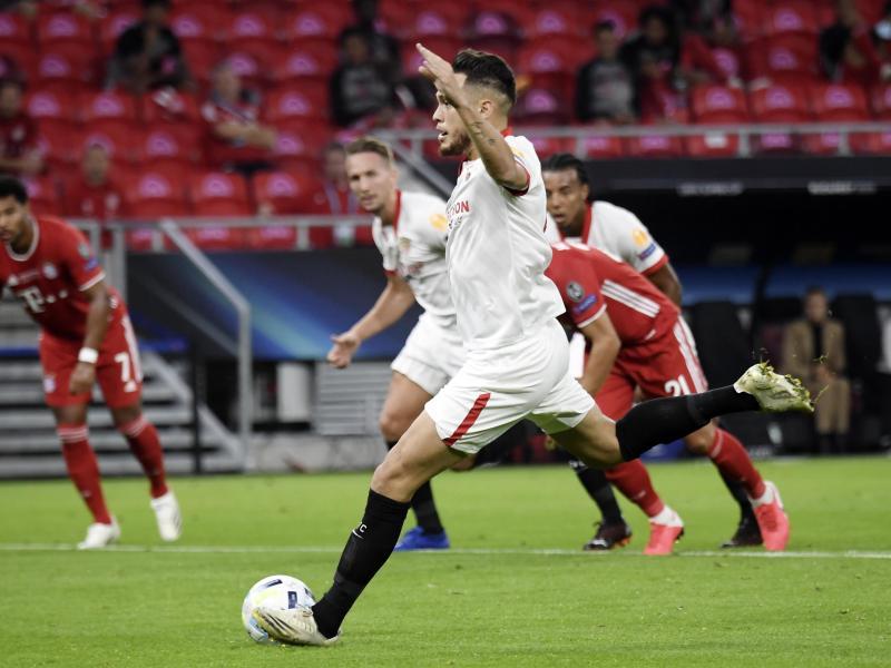 Lucas Ocampos erzielte per Strafstoß zunächst die Führung für Sevilla. Foto: Attila Kisbenedek/Pool AFP/AP/dpa