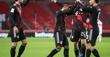 Für Leon Goretzka (l) und den FC Bayern geht es am Dienstag schon wieder in der Champions League weiter. Foto: Tom Weller/dpa
