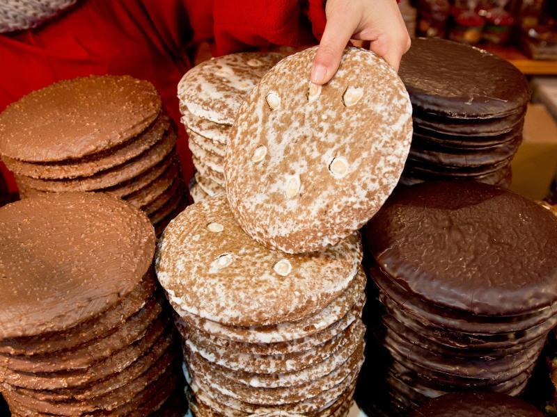 Lebkuchen stehen sicherlich hoch im Kurs. Aber sind sie wirklich die Lieblingssüßigkeit der Deutschen?. Foto: Daniel Karmann/dpa
