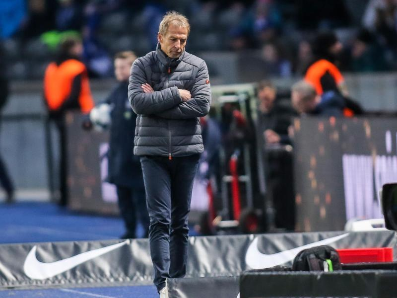 Hat eine Fußballlehrer-Lizenz in der Schreibtischschublade: Ex-Hertha-Coach Jürgen Klinsmann. Foto: Andreas Gora/dpa