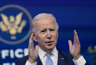 Nach der gewaltsamen Erstürmung des US-Parlamentssitzes hat der Kongress am Donnerstagmorgen den Sieg des Demokraten Joe Biden bei der Präsidentschaftswahl endgültig bestätigt. Foto: Susan Walsh/AP/dpa